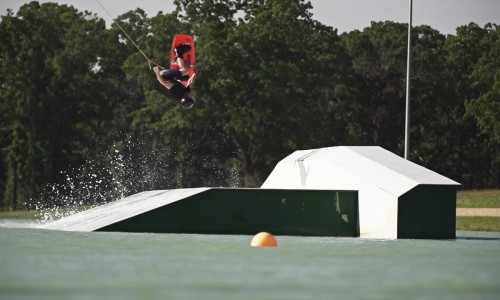 <h2><a href='http://www.youcanwake.com/wakespots/the-bsr-cable-park/'>The BSR Cable Park</a><a href='http://www.youcanwake.com/wakespots/the-bsr-cable-park/#comments' class='comments-small'>0</a></h2>Some Cable Riding at The Barefoot Ski Ranch and Cable Park in Waco, TX. Thanks to Stuart, Bret, Collin, Jade, Lana, Matty, Ange, Royal, Skylar, Keith, Turbo, Graem, and Kyle.